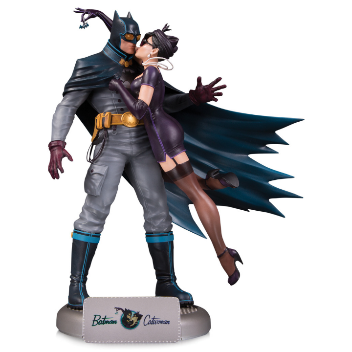 DC Bombshells Batman & Catwoman Deluxe Statue by DC Collectibles