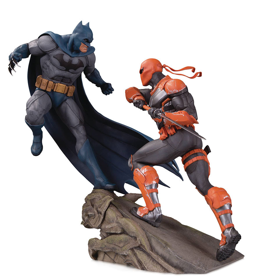 Batman Vs Deathstroke Battle Statue by DC Collectibles