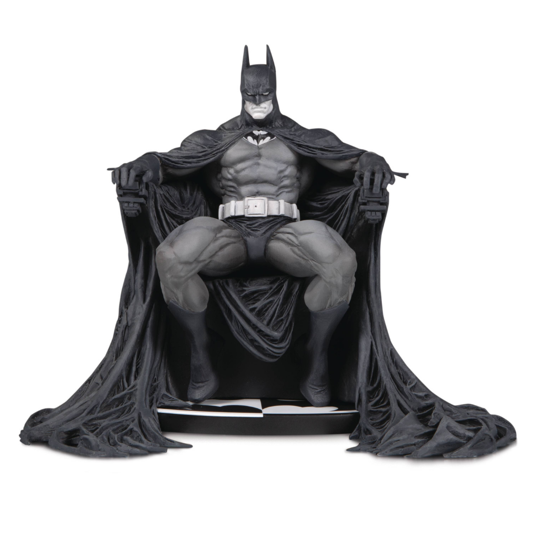 Batman B&W Statue - Batman by Marc Silvestri and DC Collectibles