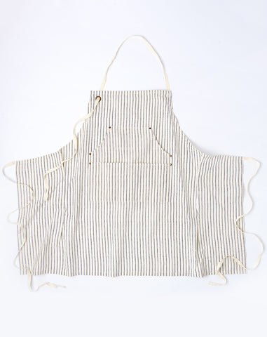 Petite Grand Apron in Dotted Pinstripe