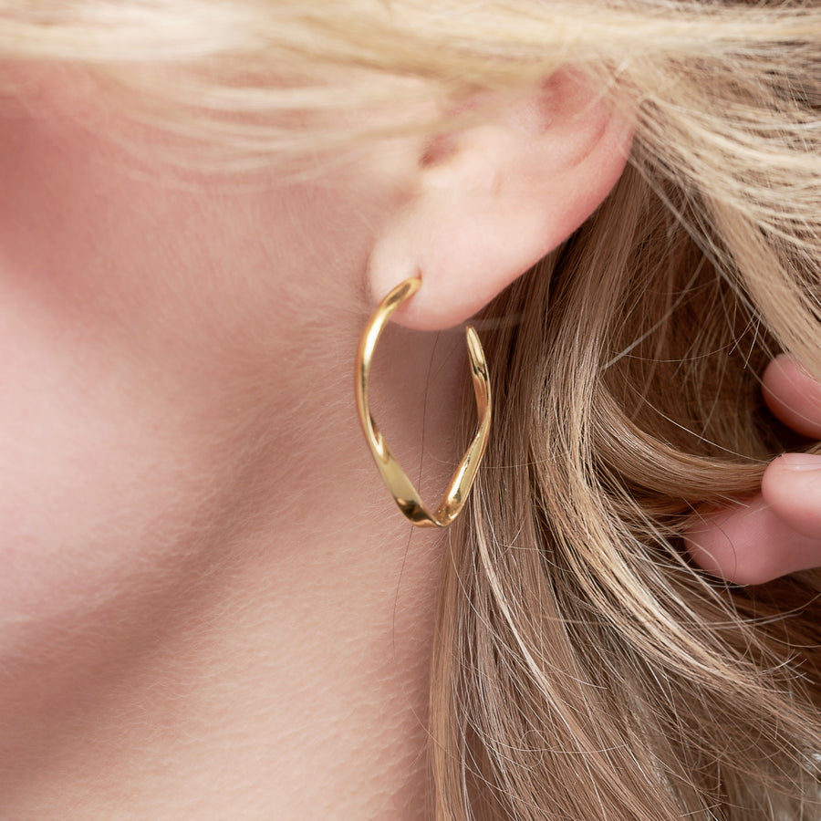 Nouveau small gold Hoops Oval