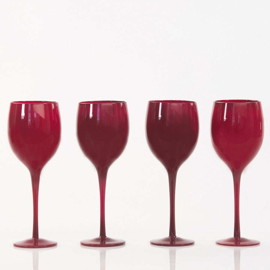 Set of 4 Red Wine Glasses in a row