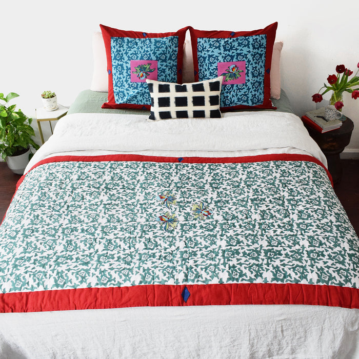 Arabesque Mauve Quilt, junior