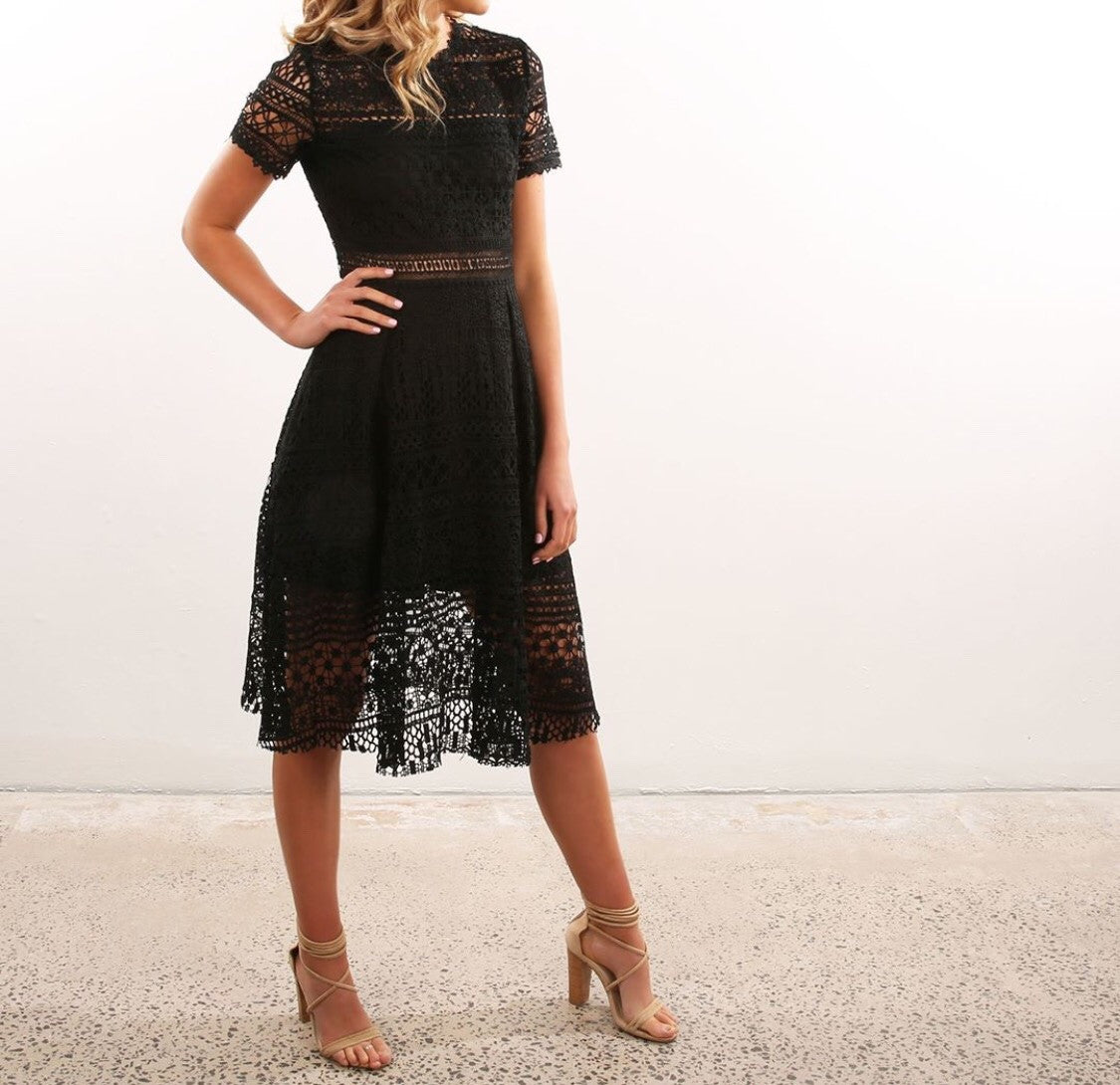 Avery Lace Dress || Black