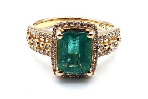 Colombian Emerald and Diamond 14KT Yellow Gold Ring