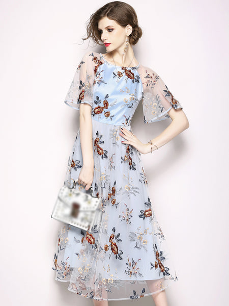 Embroidery O-Neck Flare Sleeve Vintage Maxi Dress