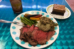 AAA ROAST BEEF WITH GARLIC MUSHROOM SAUCE, SEASONED POTATOES AND SEASONED CARROTS AND ASPARAGUS