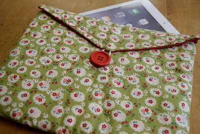 Green_Cherry_Blossom_Print_Tablet_Bag