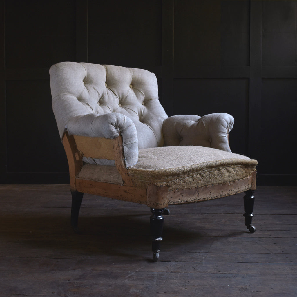 Wonderful Napoleon III buttoned armchair. Upholstery inclusive.