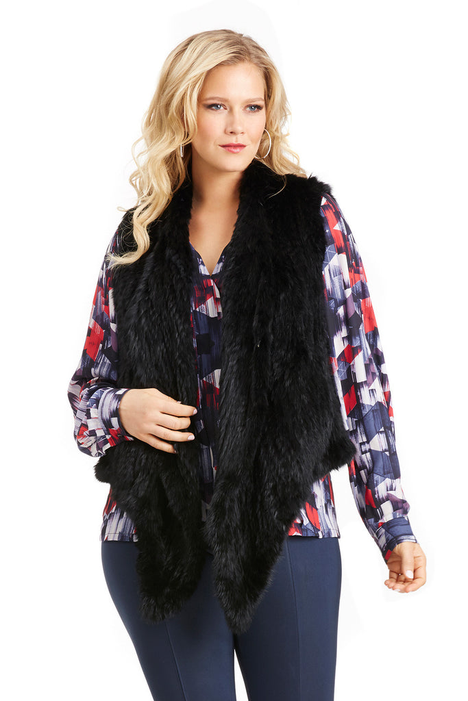 CURVE HUGGING RABBIT FUR VEST IN BLACK