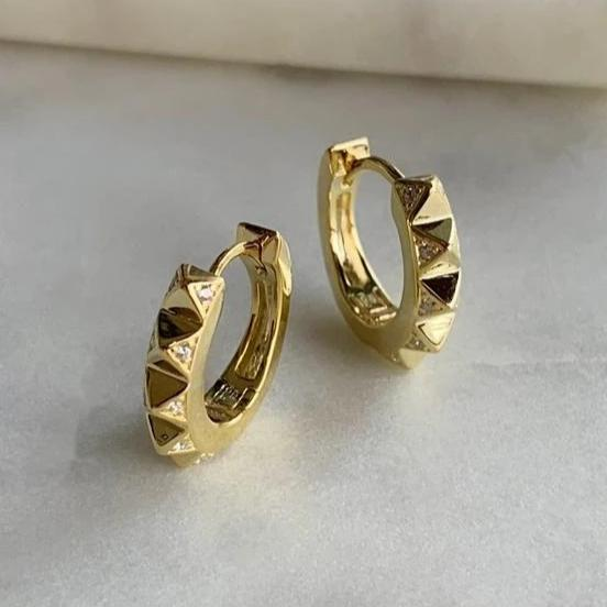 PYRAMID HOOP EARRINGS - GOLD