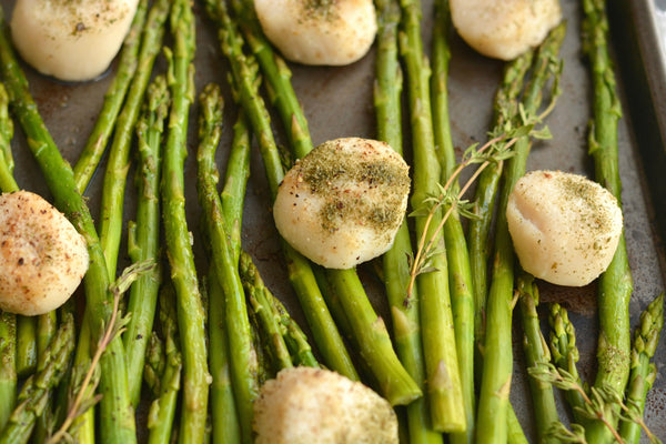 Herb Baked Scallops and Asparagus