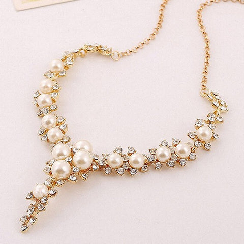 Necklace (Crystal Pearl)