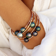 Load image into Gallery viewer, Tahitian Pearl Bangle
