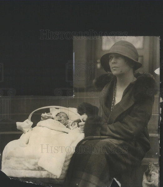 1930 Press Photo Mrs. Nicholas Longworth and daughter. - Historic Images