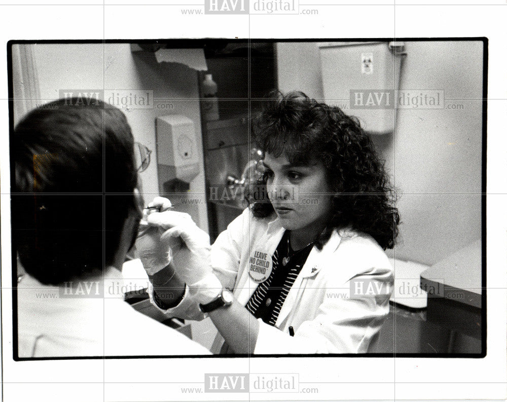 1993 Press Photo Medical student Jenny Bishop - Historic Images