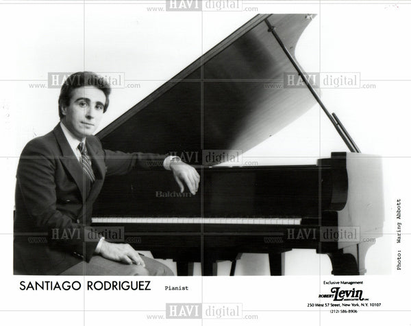 1998 Press Photo Santiago Rodriguez - Pianist - Historic Images