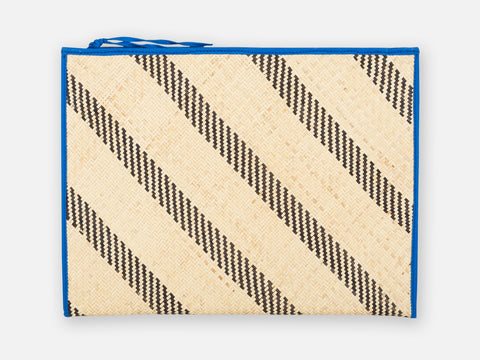 Anoud Ipad Pouch // blue<br/> FOLKDAYS x Teuber Kohlhoff Nº 321