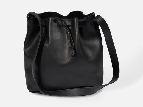 Kayla Bucket Bag // black <br/> FOLKDAYS N° 386