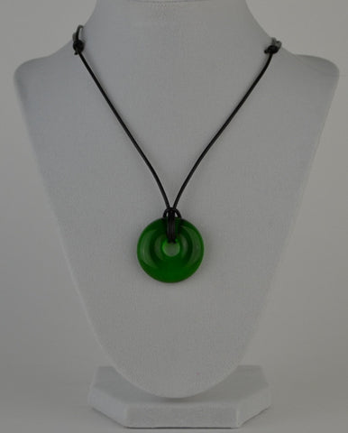 Glass circle necklace - bright green