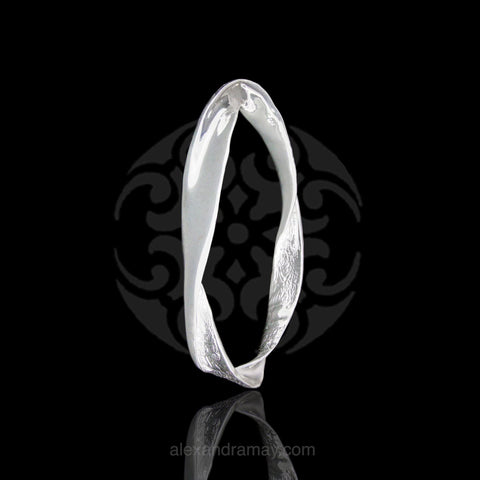 Cavendish French Sterling Silver Twisted Ribbon Bangle (CF2808)