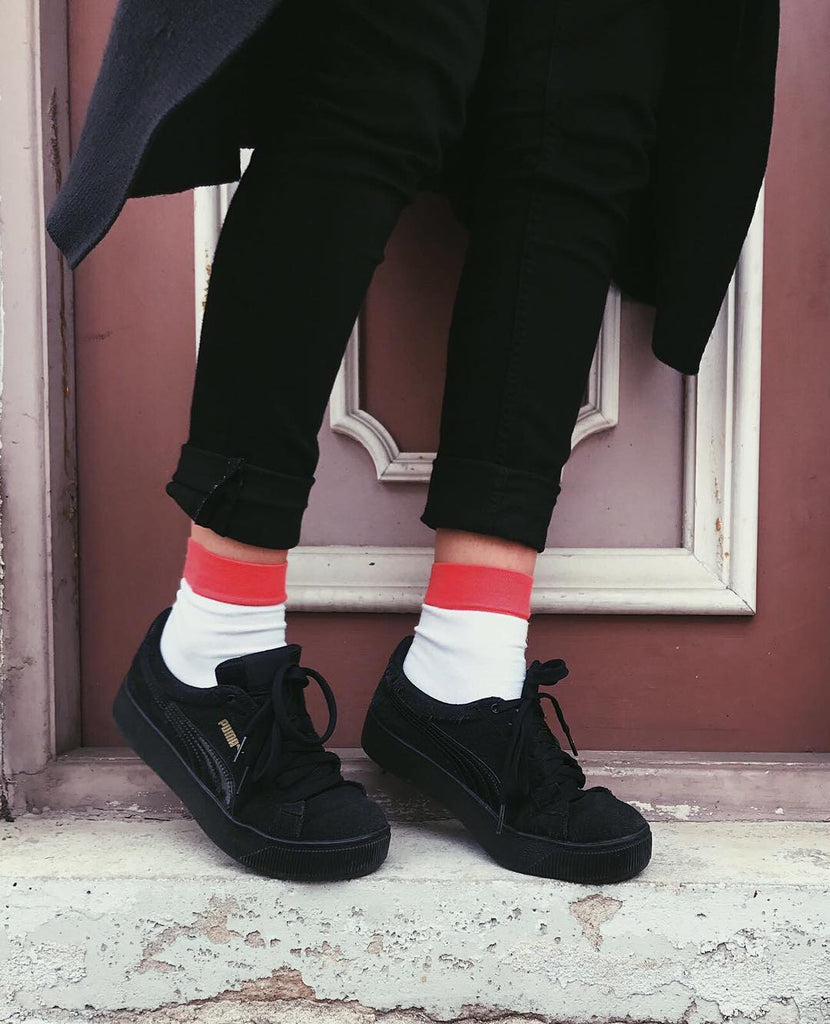 wear white socks with black shoes
