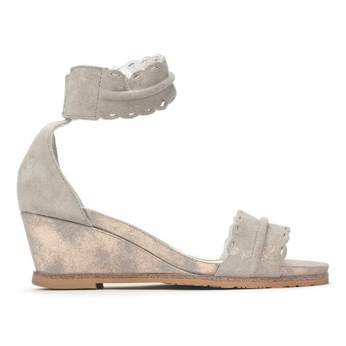 Regarde Le Ciel Women's Tolosa-31 Metallic Leather Low Wedge Sandal Shoe