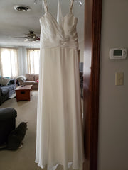 Stella York '6530DMZP' size 16 new wedding dress front view on hanger