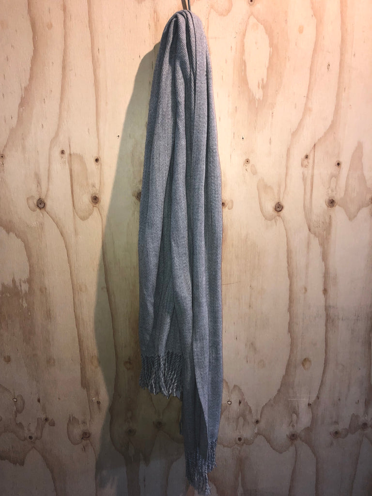 WOOLEN SCARF-LIGHT GREY