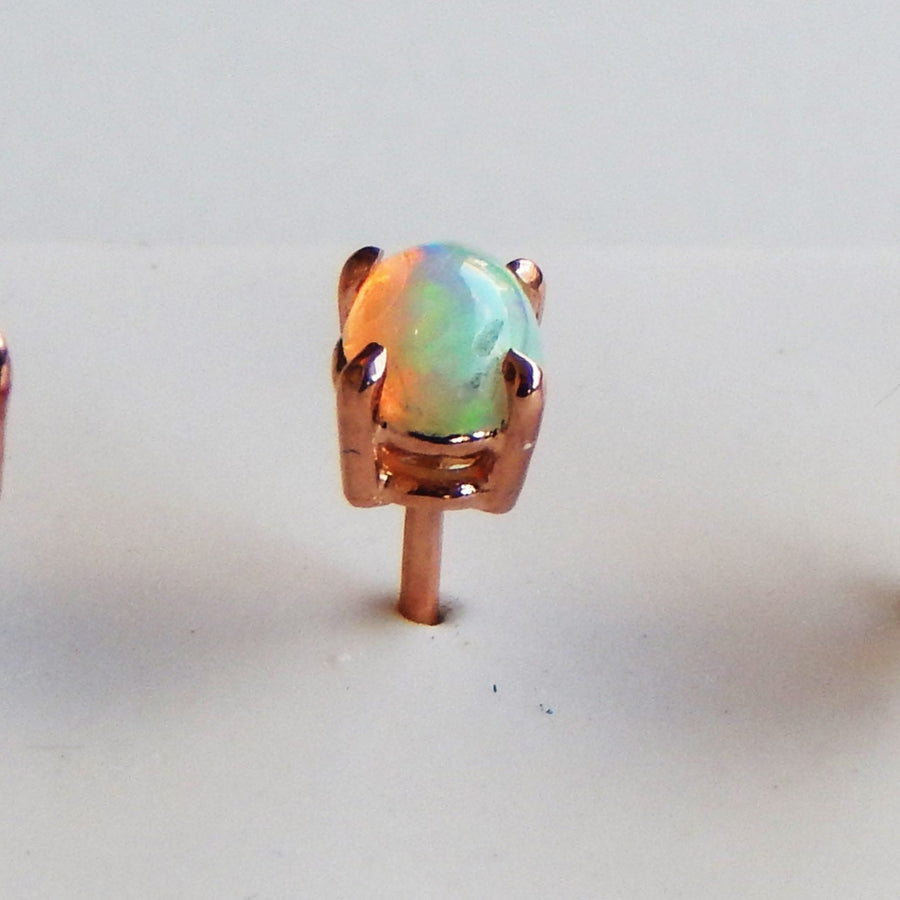 14 kt Gold Opal Stud Earrings