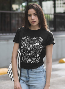 botanical t-shirt with a vintage feel. perfect for plant lovers
