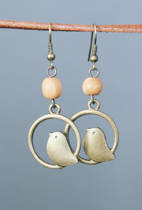 Sitting Pretty Earrings