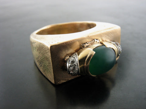 Cinematic Ring with Emerald & Diamonds
