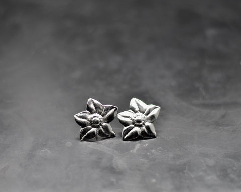 Flower Link Studs- White Gold