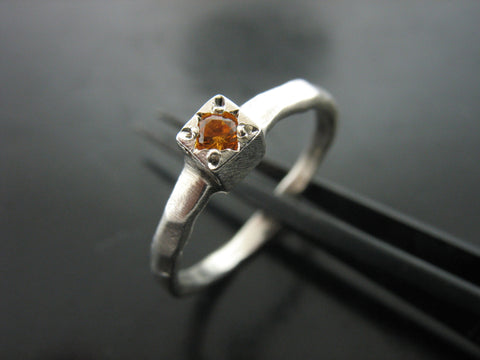 BIRTH STONE CUBE RING- CITRINE - NOVEMBER