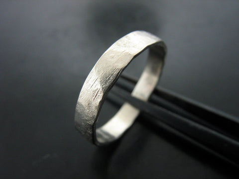 Zeus Hammered Ring - 3MM