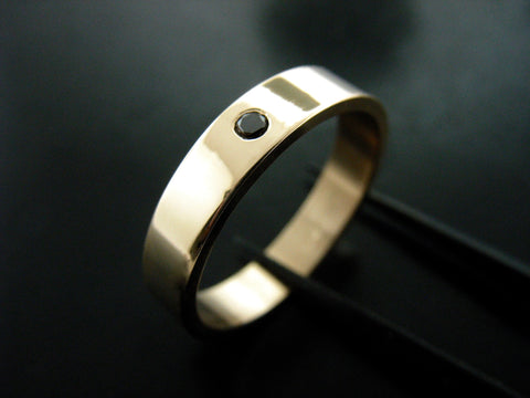 Jiou Ring- Yellow Gold and  Black Diamond