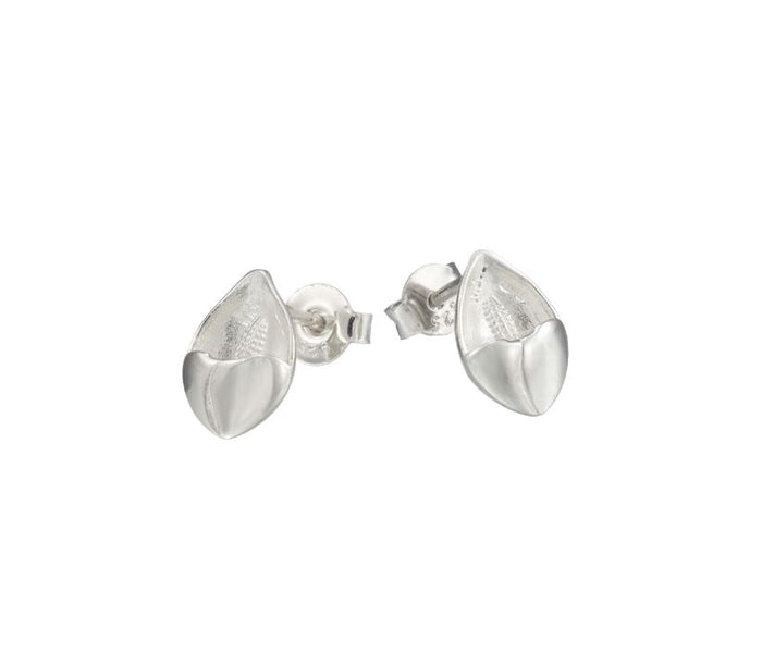 Lilly tiny stud earrings in solid silver