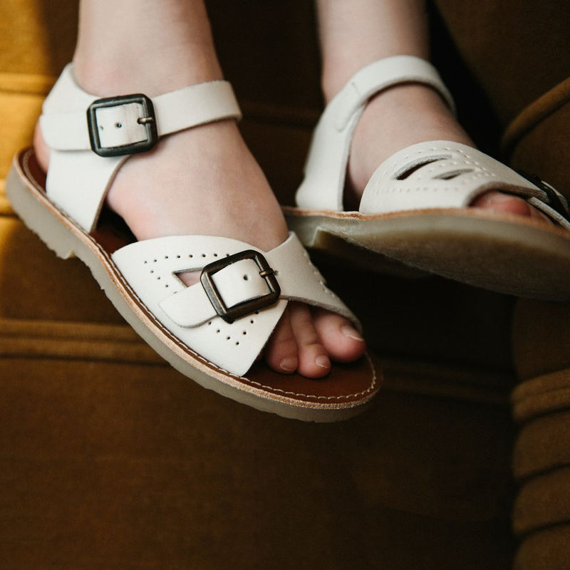 Young Soles Pearl Sandals / Vanilla