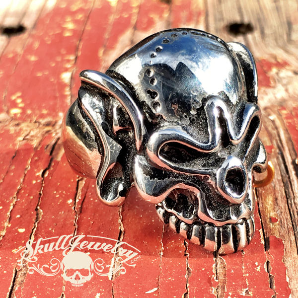 Gold Hoop Skull Ring w/ stitches soon forehead