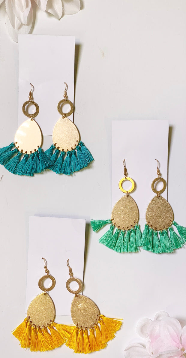 Gold earrings with yellow mint or turquoise fringe