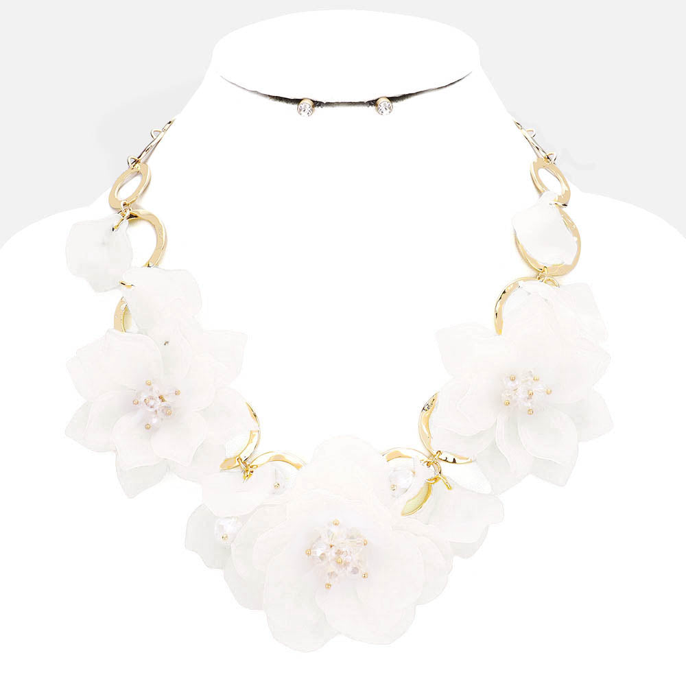 Beautiful Triple White Rose Statement Necklace for LINKS, New 2019