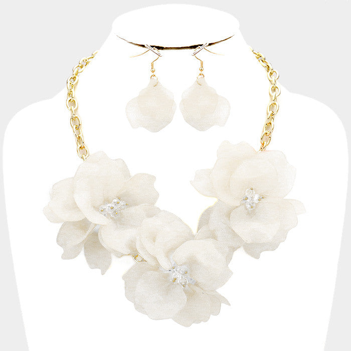 "Beautiful White & Pink Rose Ceremonial Necklace Set ""New"""
