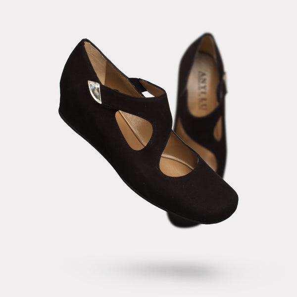The Shirlee - Black Suede