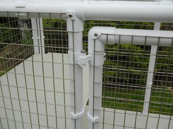 Showing hinge of Penthouse Products cat cage door