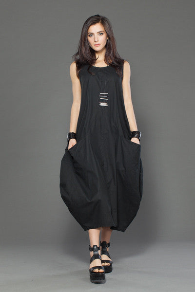 Edi Dress in Black Carnaby