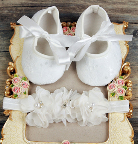 Pikaboo newborn headband baby shoes combo - white crystal flowers