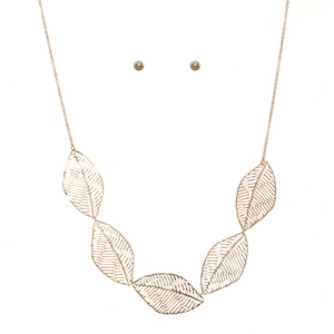 Dainty Leaves Necklace