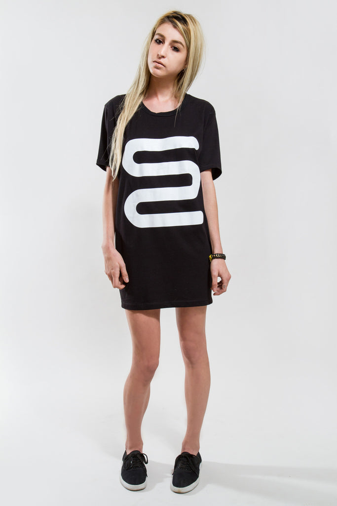 WOMENS CYLINDRICAL TALL TEE W/ FONY SQUIGGLE - Tall Tee - STREETWEAR - NYC - MOVES