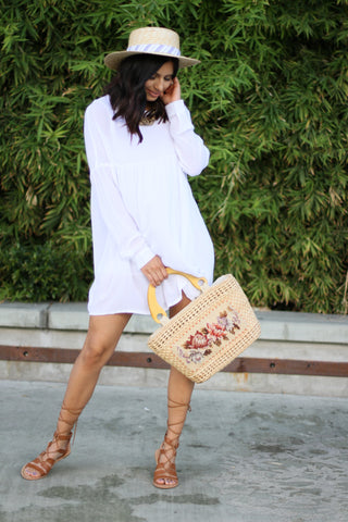 White tunic with long sleeves